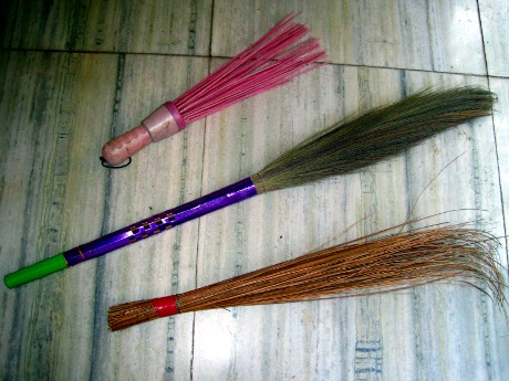 Post image for Introducing 3 Typical Indian Cleaning Implements