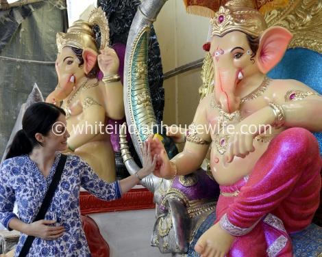 Post image for A Walk Around Lalbaug to See Ganesh Idols Being Made